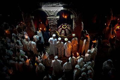 Ethiopian-Easter-Fasika-celebration-churches-bahir-dar-adventuresinethiopia-tours
