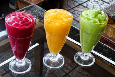 Juice-fresh-fruit-strawbery-mango-avocado-ethiopia-adventuresinethiopia-