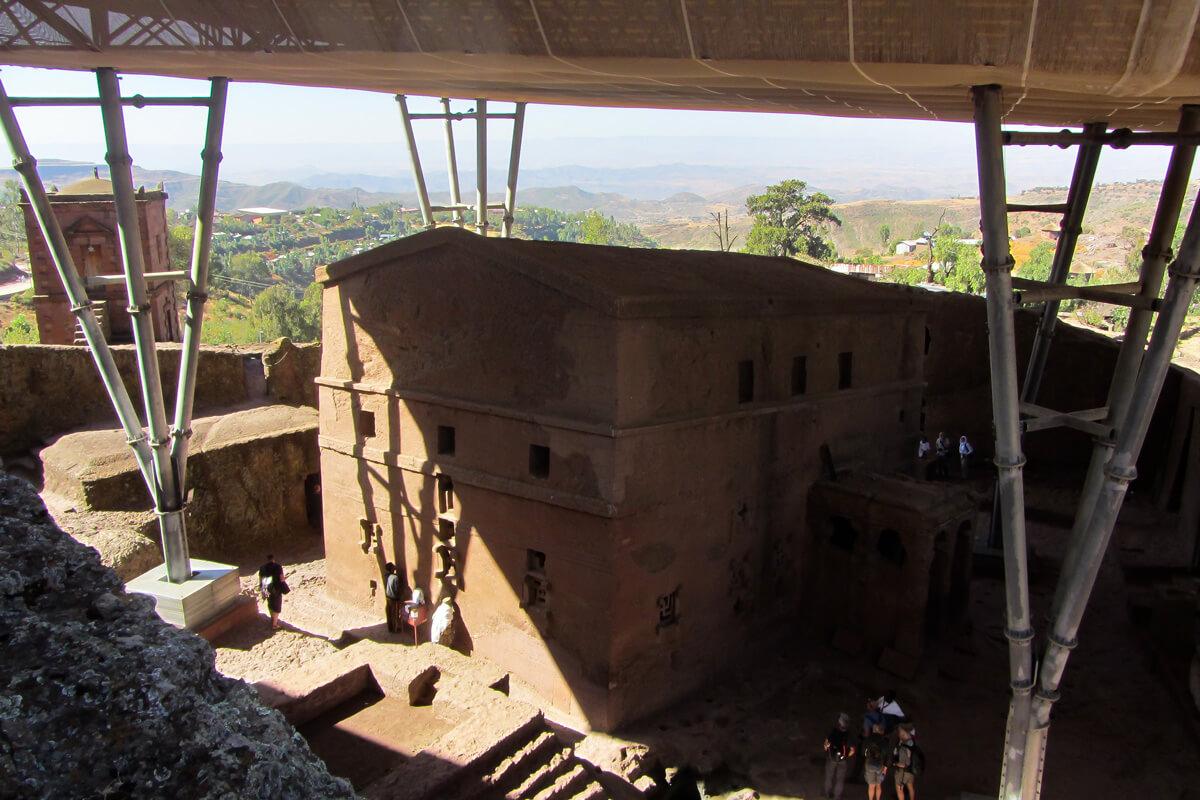 Lalibela-Emanuel-churche-rock-hewn-ethiopia-adventuresinethiopia