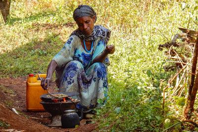 coffee-cermony-arabic-beans-ethiopia-adventuresinethiopia