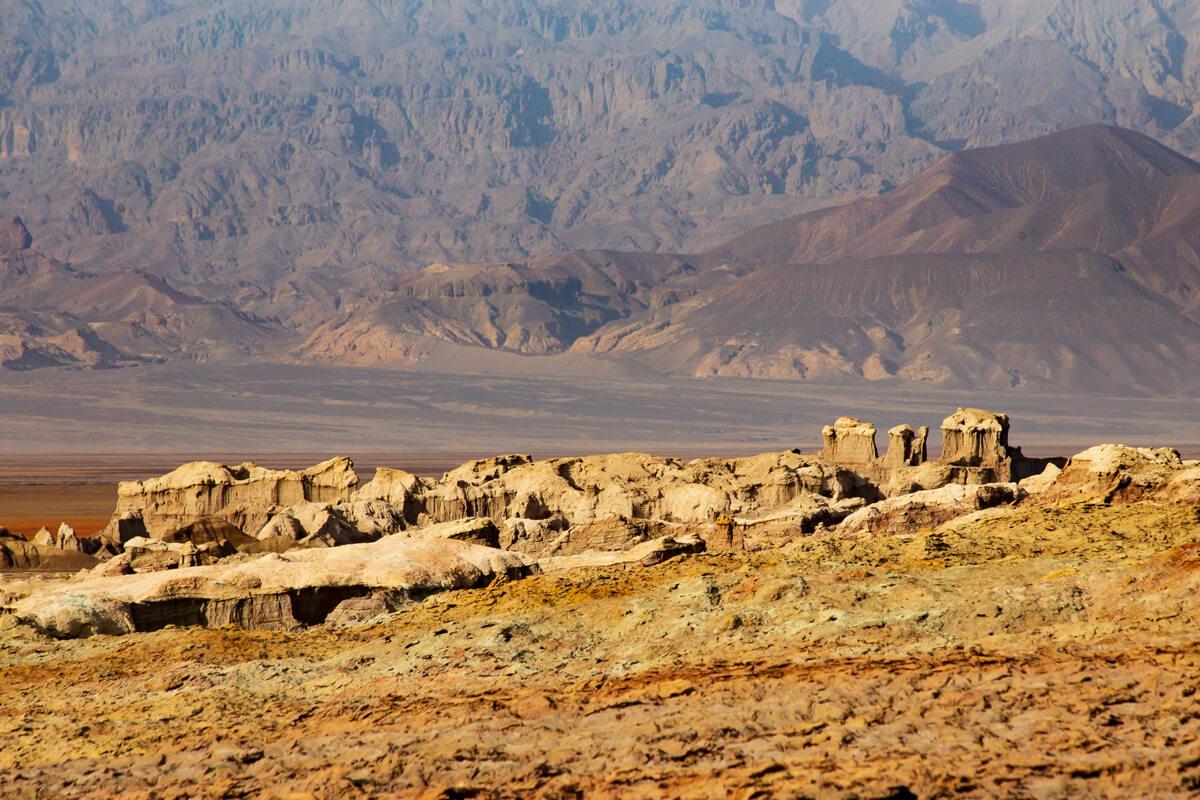 dallol-danakil-depression-salt-canyon-treking-tours-ethiopia-adventuresinethiopia