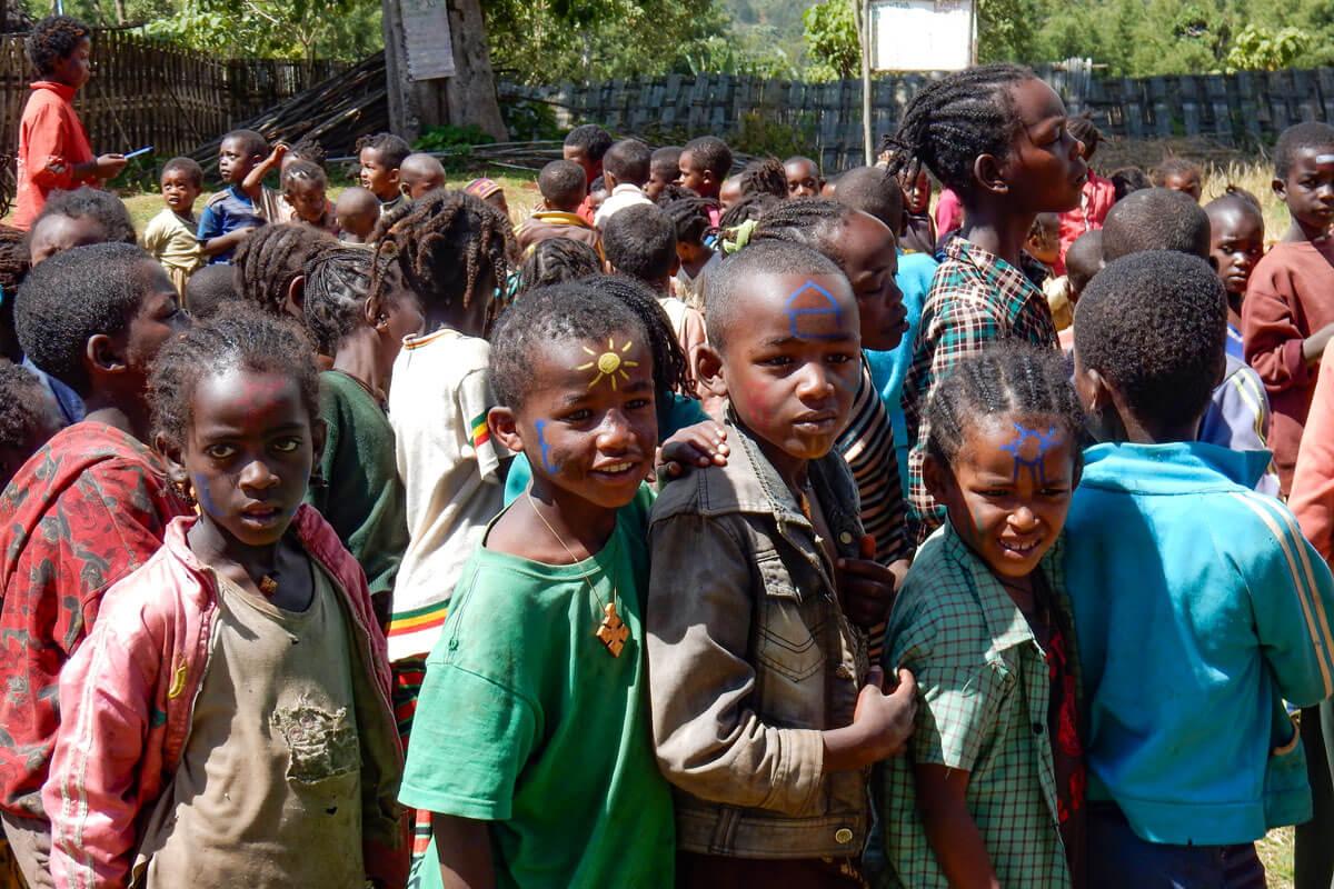 dorze-school-children-teacher-ethiopia-adventuresinethiopia