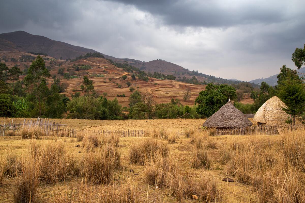 dorze-trekking-village-yard-ethiopia-adventuresinethiopia