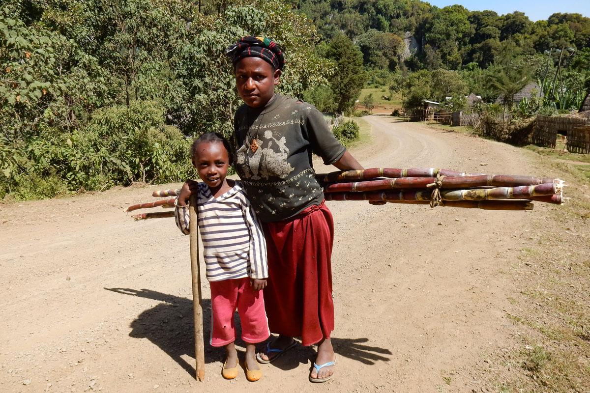 dorze-village-tribe-people-shugar-candle-market-ethiopia-adventuresinethiopia