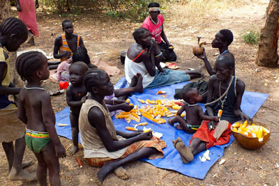 gambela-nuer-people-tribe-children-corn-vilage-life-ethiopia-adventuresinethiopia
