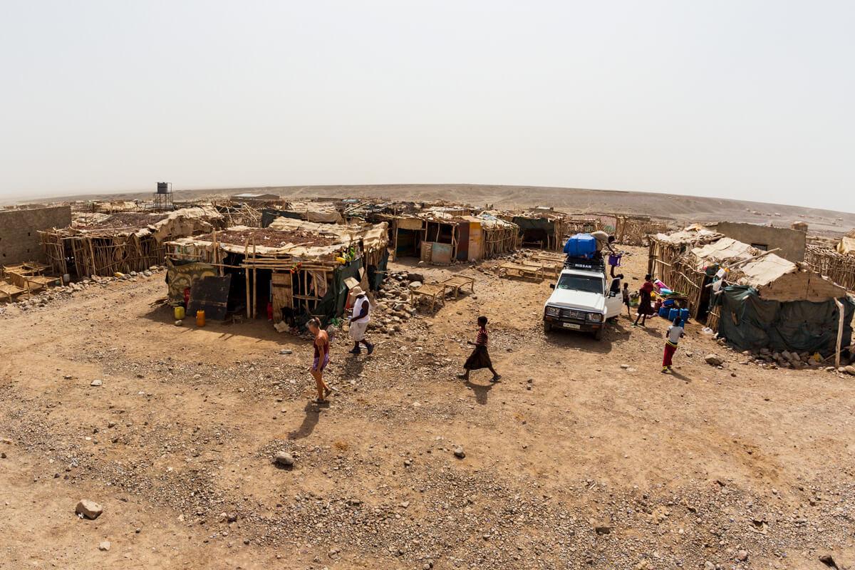 hamadela-danakil-depresion-dalol-volcano-camel-caravan-camping-understars-ethiopia-adventuresinethiopia