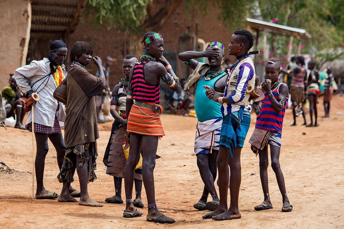 hamer-people-tribe-market-day-omo-valley-turmi-ethiopia-adventuresinethiopia-folks
