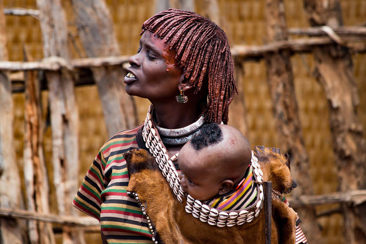 hamer-people-tribe-market-day-omo-valley-turmi-ethiopia-adventuresinethiopia-jevelry