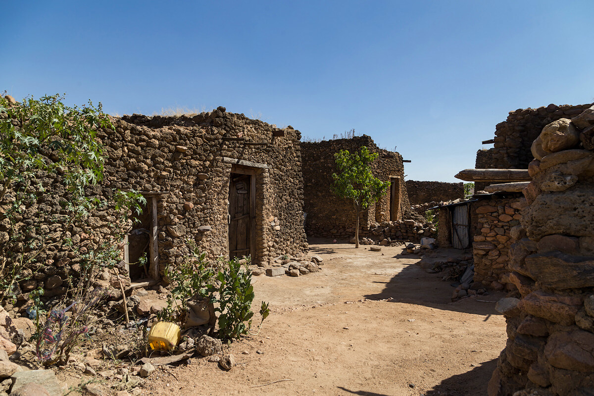 harar-old-muslim-village-stone-hause-ethiopia-adventuresinethiopia