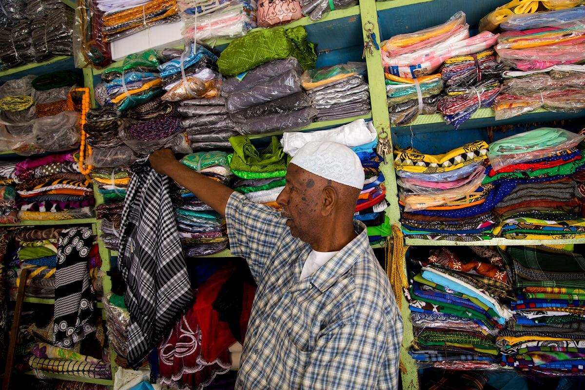 harara-market-sharf-clothes-ethiopia-adventuresinethiopia