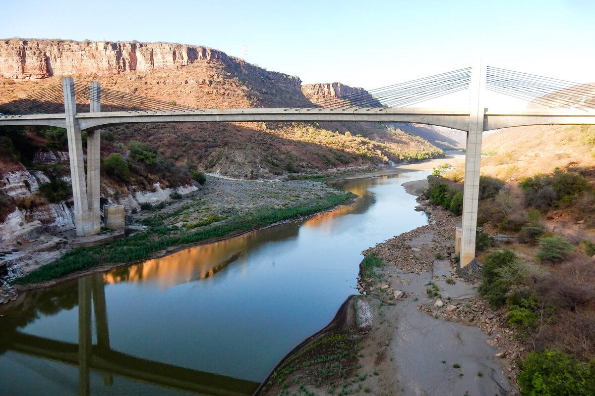 nila-river-valley-mountains-ethiopia-adventuresinethiopia-