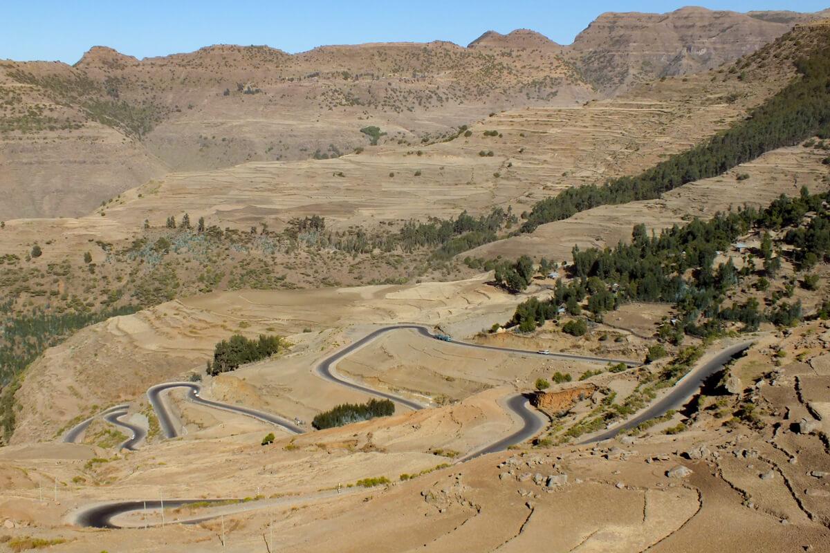 road-landscape-mountains-trip-challange-ethiopia-adventuresinethiopia-