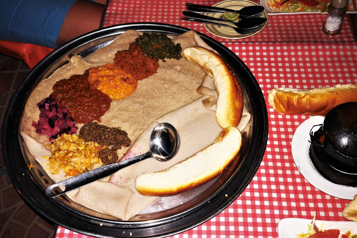 shiro-injera-wat-meal-restaurant-ethiopia-adventuresinethiopia