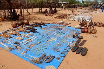 tribes-market-omo-valley-jewelry-ethiopia-adventuresinethiopia