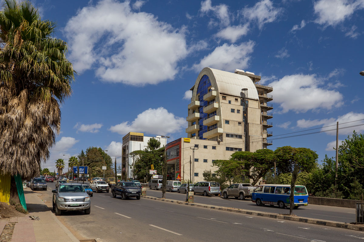 Addis Ababa_city_tour_streets_people_travelers_Africa_big country_new houses_adventuresinethiopia