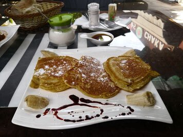 Ethiopia-restaurant-Addis-Ababa-pancakes-honey-banana